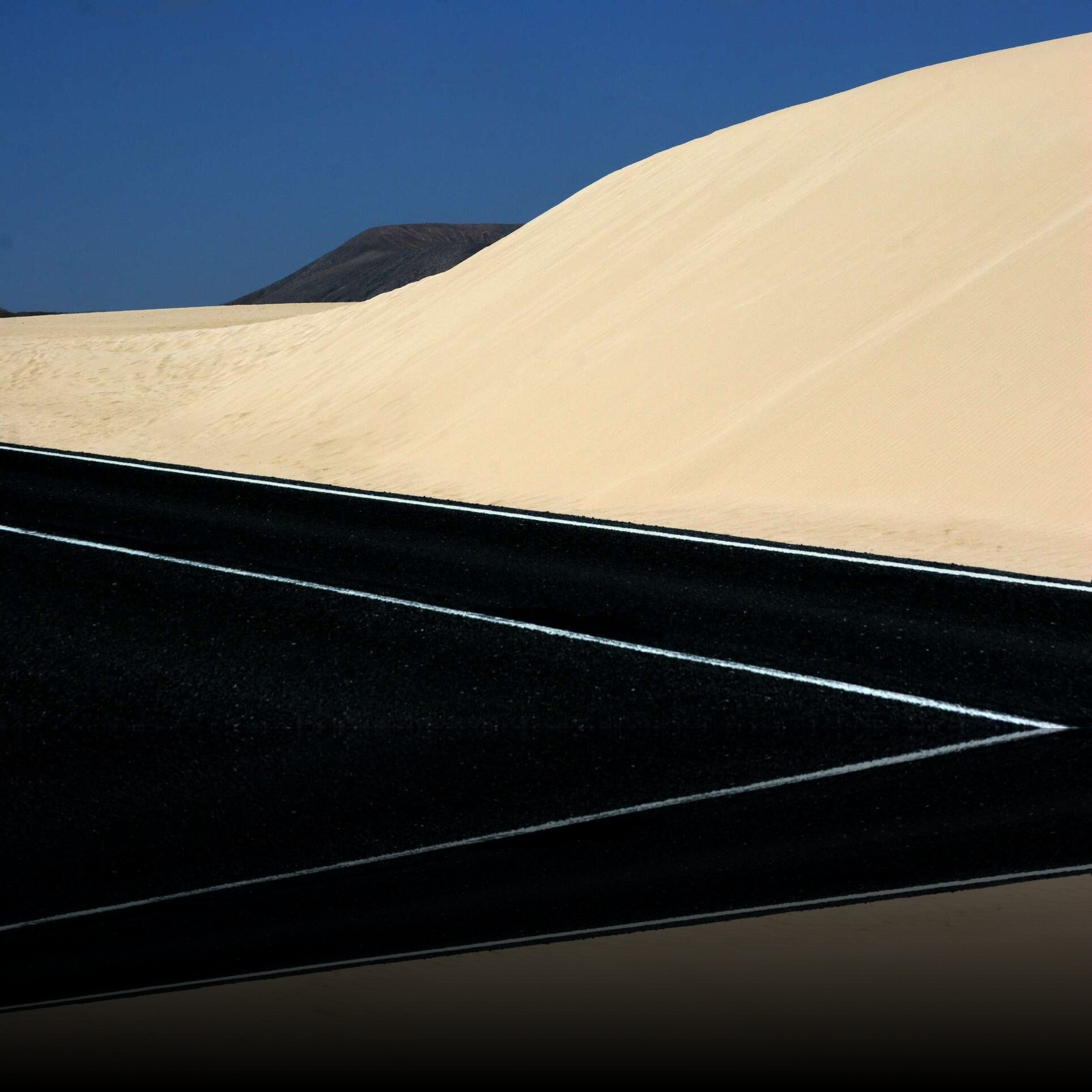 refl_3b9f5c6a365cdd8d125d668c804a7329_1914-sabbia-e-asfalto-2